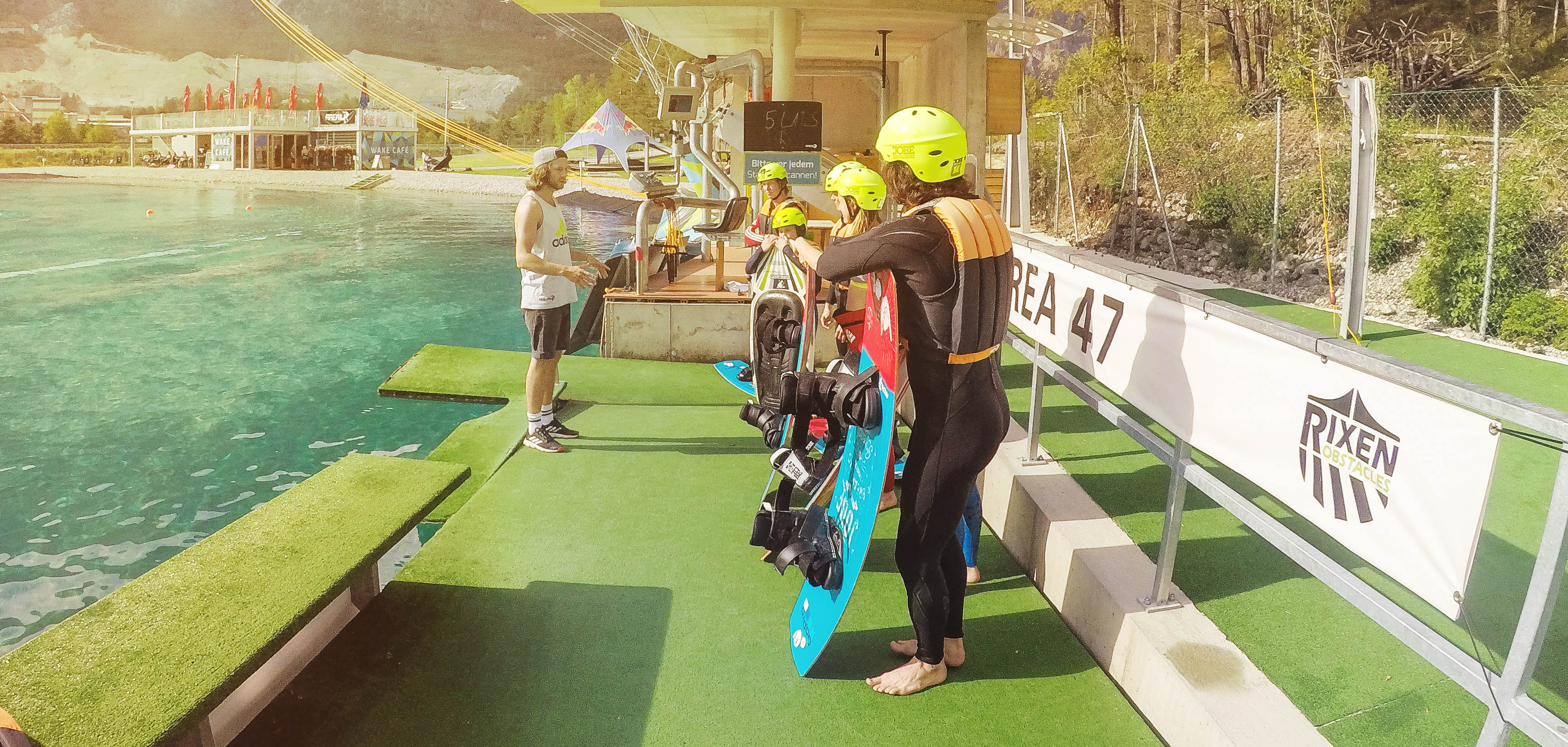 Learn wakeboarding with the AREA 47