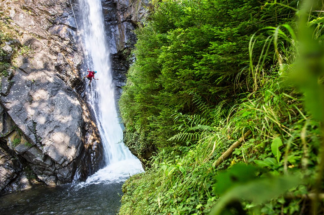 AREA 47: guided canyoning tours
