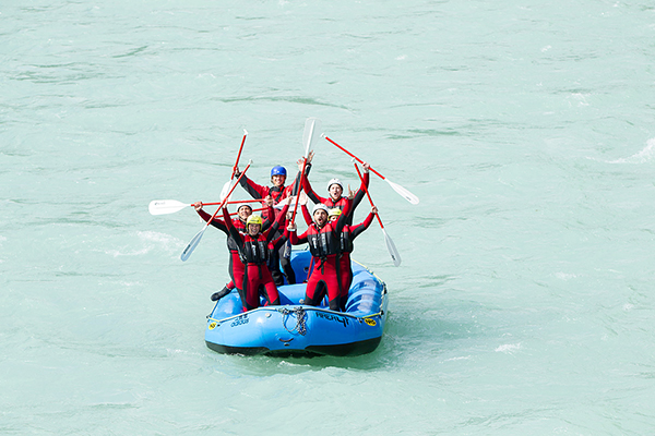rafting with team