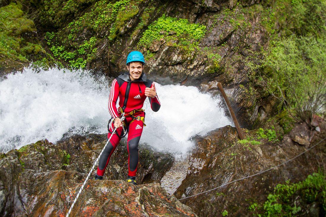 Canyoning: Kaltes Wasser und viele Wasserfälle