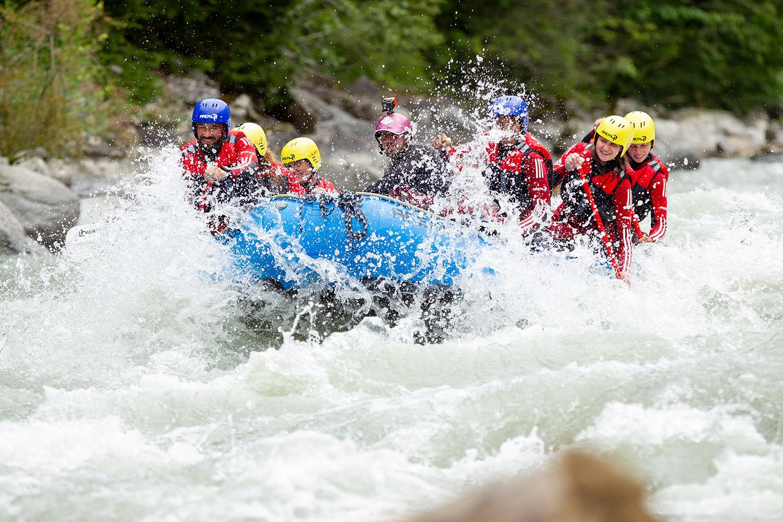 Wildwasser beim Raften sorgt für Adrenalin