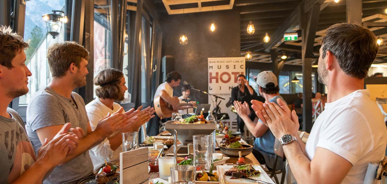 Essen & Musik im River Haus Bar & Grill