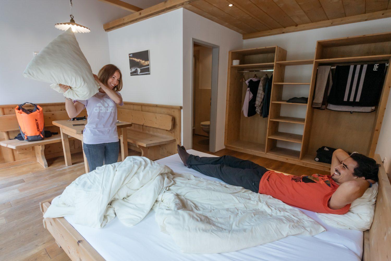 Doppelzimmer in der AREA 47 in Tirol, Österreich