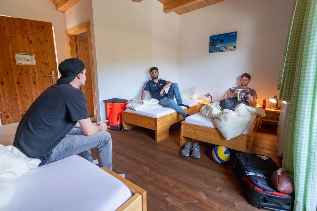 Dreibettzimmer im Outdoor-Park in Tirol