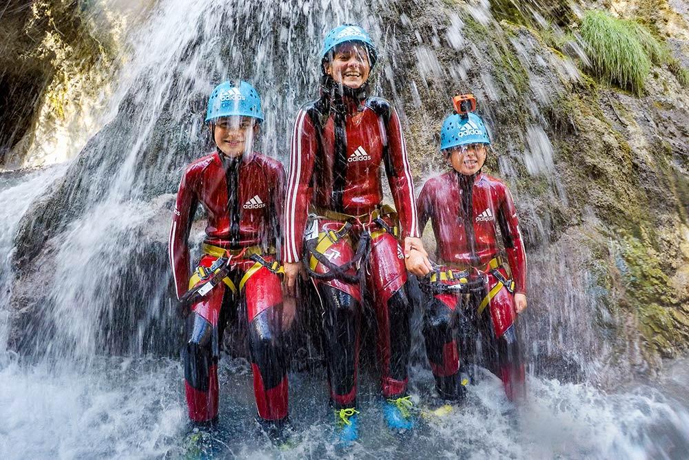Kindercanyoning in Tirol, Österreich