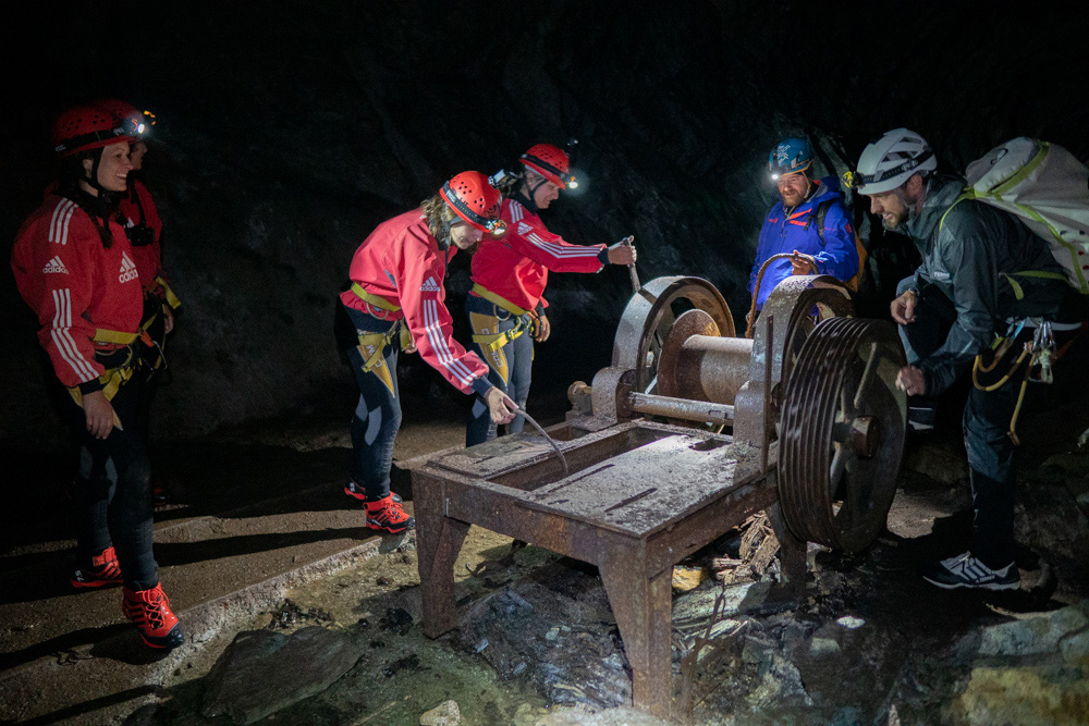 Caving Tour im Ambergstollen